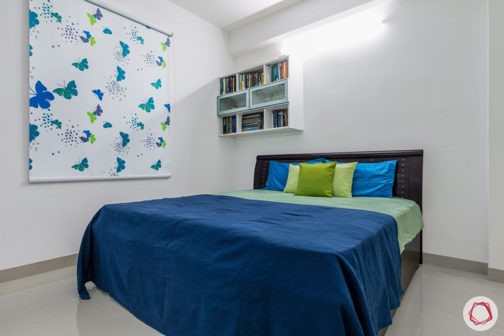 bedroom-blue-shelves-blinds-pillows-green