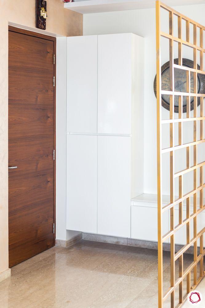 foyer-area-design-jaali dividers-golden jaali