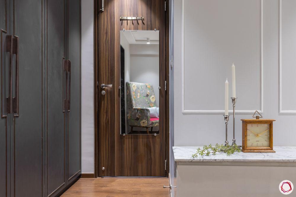 3-bhk-in-mumbai-master-bedroom-wardrobe-mirror