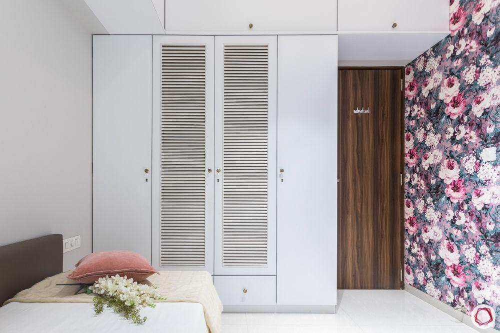 Wardrobe- louvre doors-white