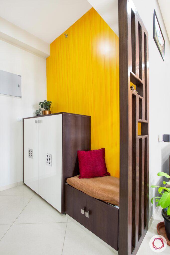 Sobha City Casa Paradiso-foyer-yellow-wall