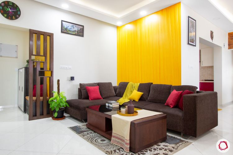 vastu colors for living room-yellow walls-brown sofa designs