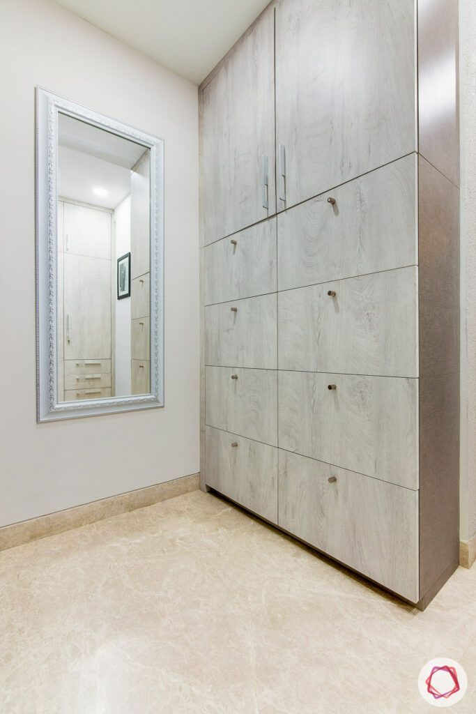 Shoe cabinet with ample storage-membrane