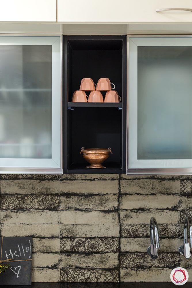 modern kitchen design-frosted glass cabinet shutters-kitchen backsplash