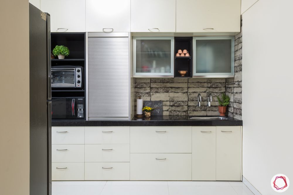 house kitchen design-frosted glass cabinet-profile shutter-sink