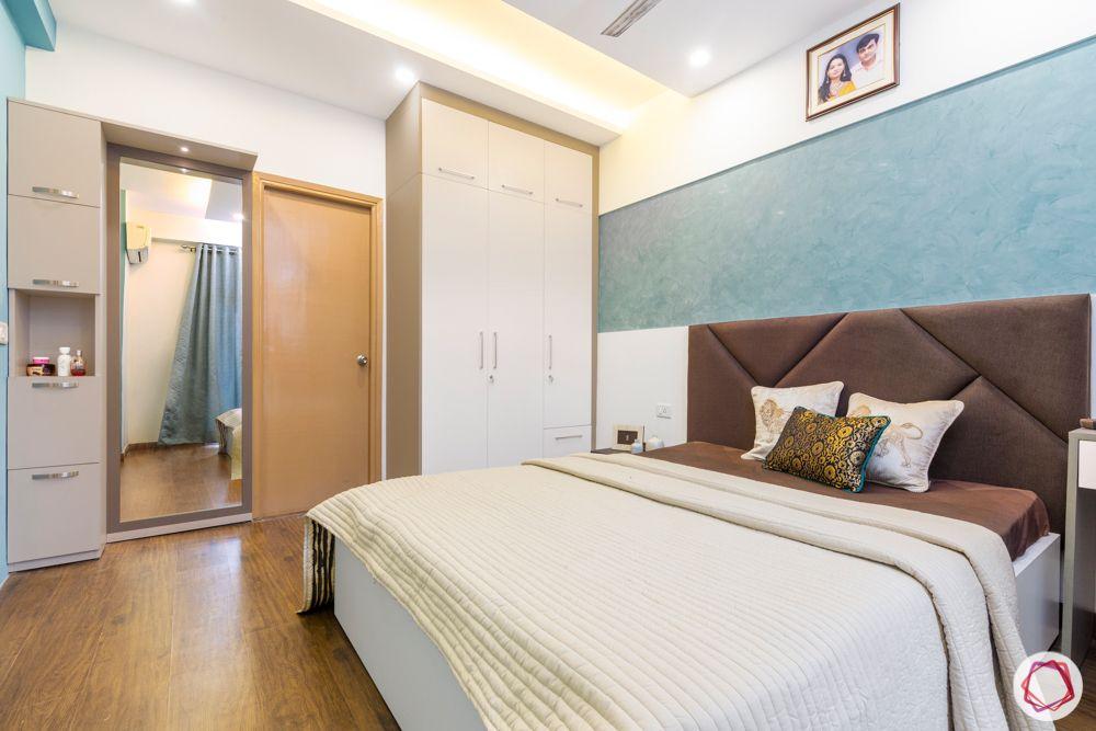 mahagun mywoods-livspace noida-master bedroom-dresser