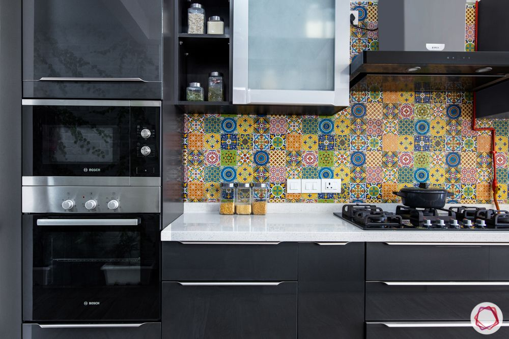 colourful backsplash-hob