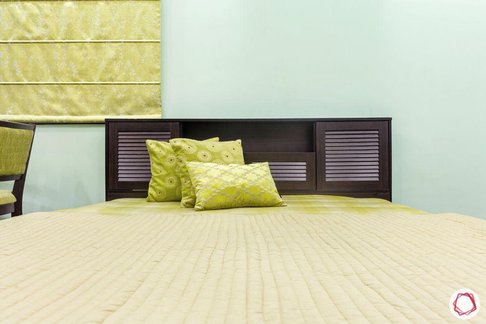 green bedding-green curtain