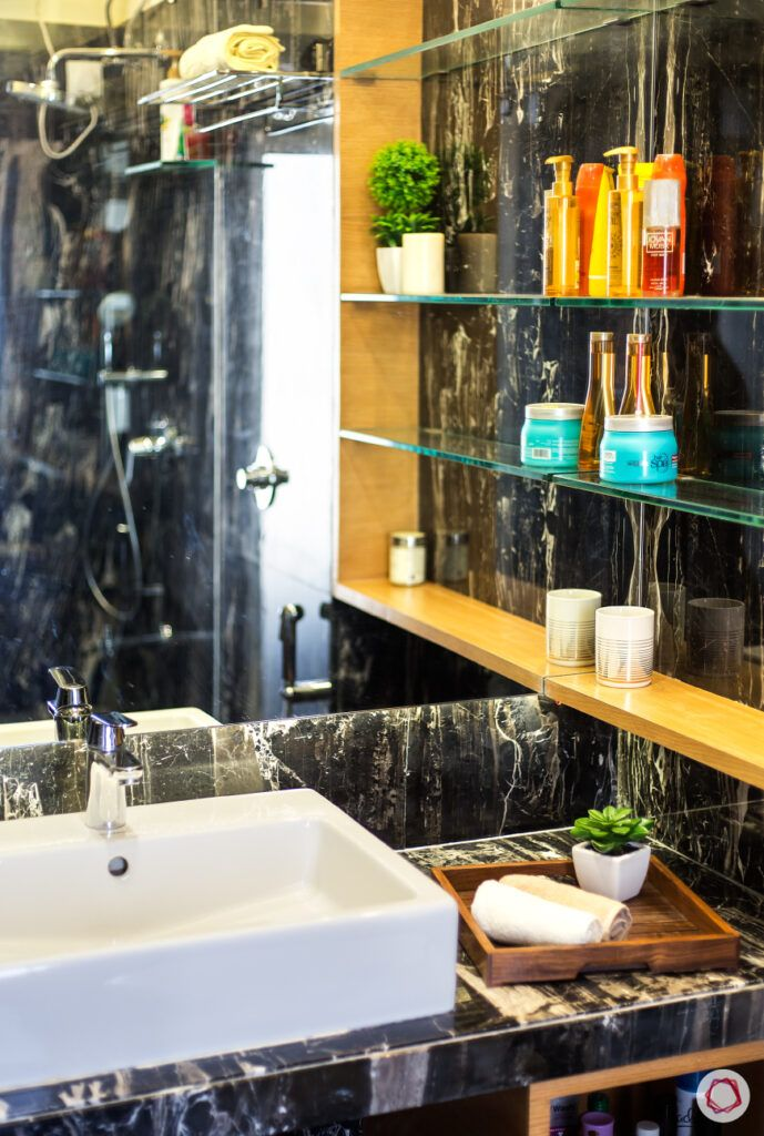 bathroom storage ideas-marble wall-shleves