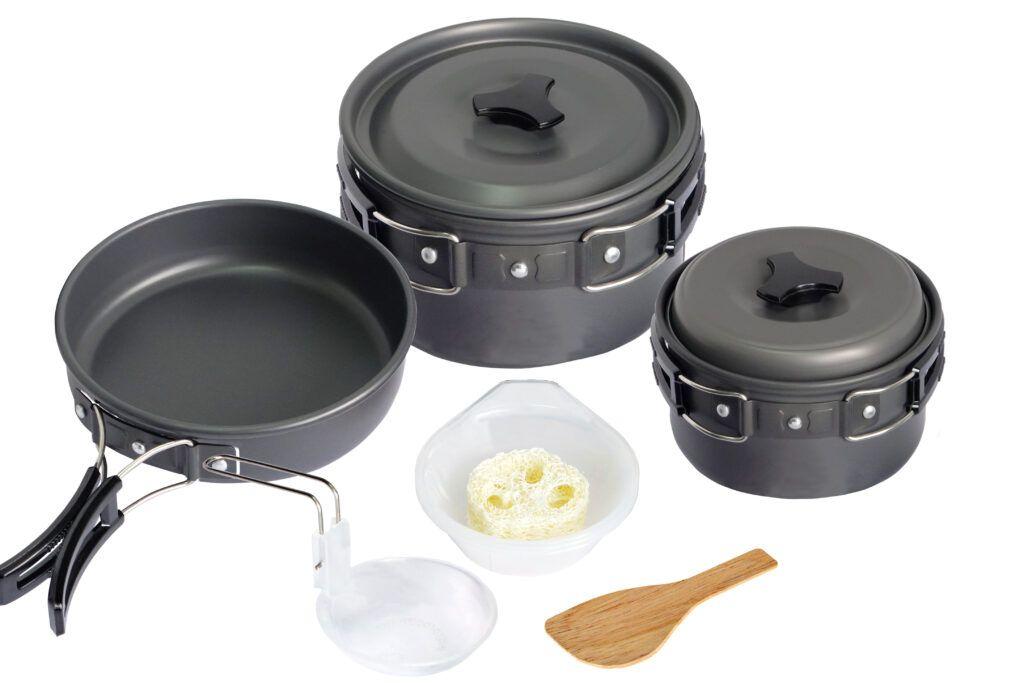 cookware-material-aluminium cookware-pots-pans-wooden-spoon