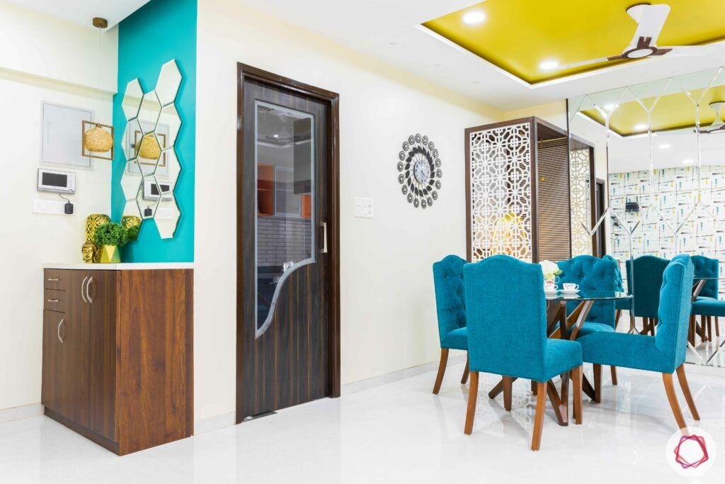 livspace mumbai-3-bhk-in-mumbai-foyer-dining-room-yellow false ceiling