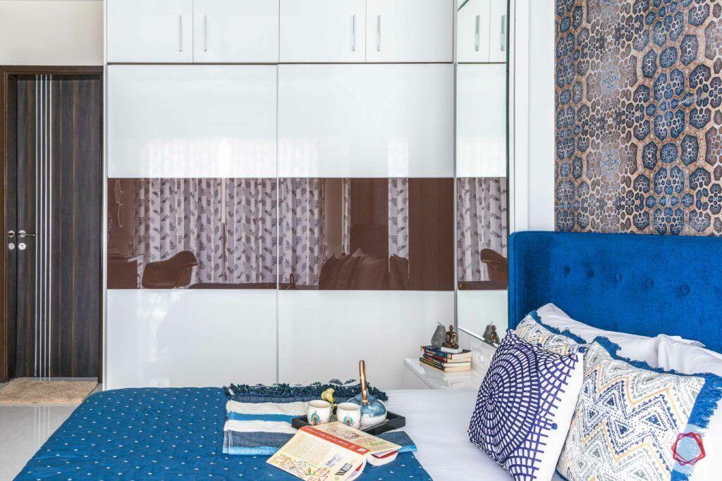 livspace mumbai-3-bhk-in-mumbai-master bedroom-laminate wardrobes