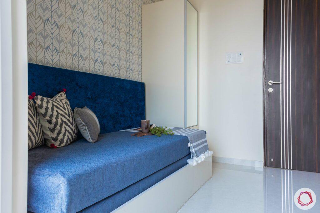 livspace mumbai-3-bhk-in-mumbai-guest bedroom-printed wallpaper