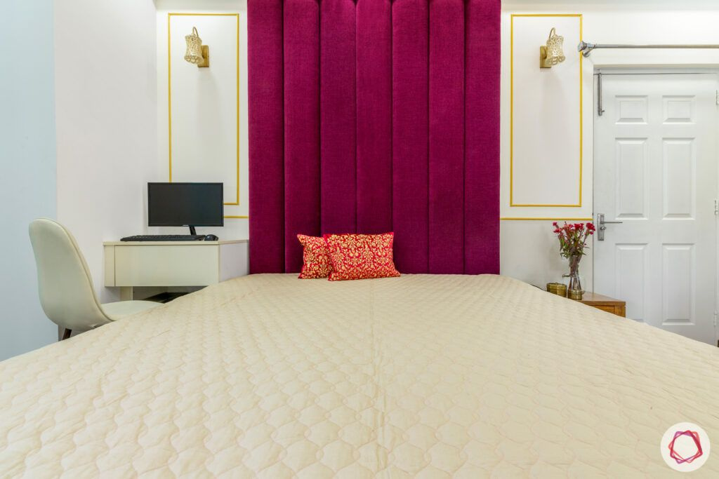 master-bedroom-magenta-study-table