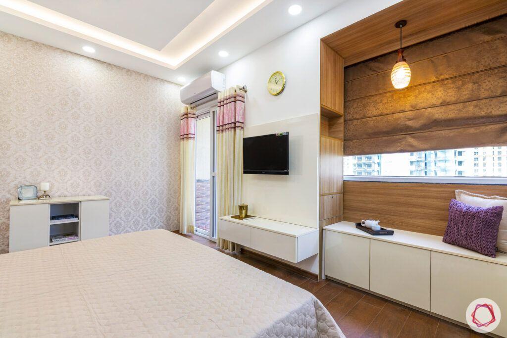master-bedroom-bay-seating