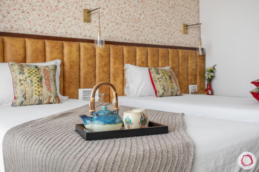crescent-bay-parel-bedroom-headboard-pot-bed