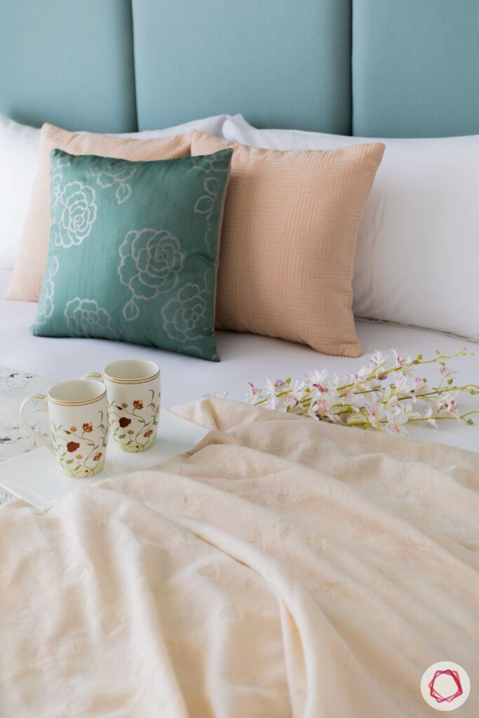 peach and green theme-green bedding
