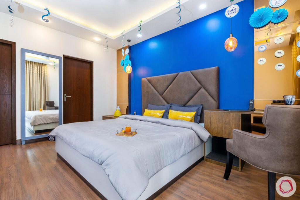 blue wall ideas-wooden flooring designs