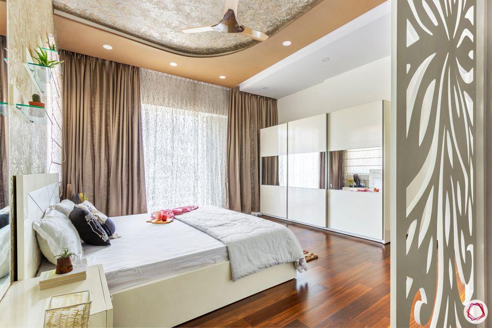 prestige-white-meadows-master-bedroom-wardrobe-sliding-mirror-panel