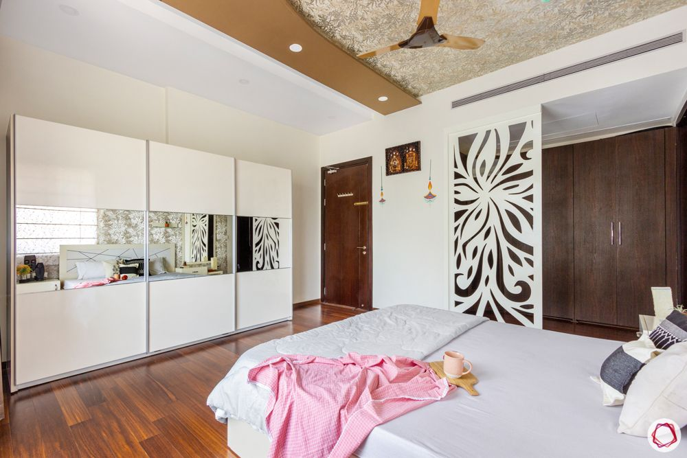 prestige-white-meadows-master-bedroom-wardrobe-jaali-false-ceiling
