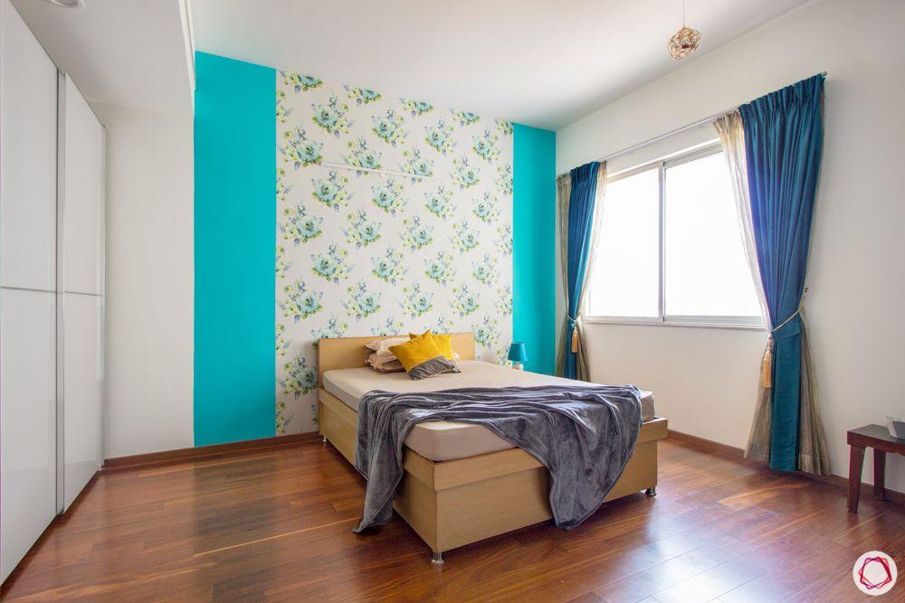 mothers-bedroom-green-floral-wallpaper-bed