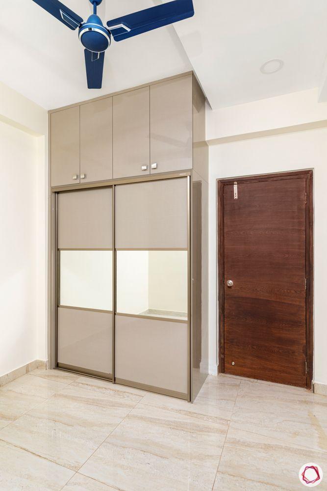 hallmark-tranquil-bedroom-wardrobe-sliding-mirror-panel-lofts