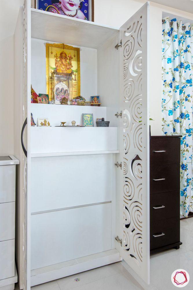 god room door design-jaali pattern