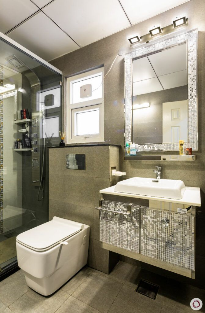 bathroom designs for small spaces-reflective tiles