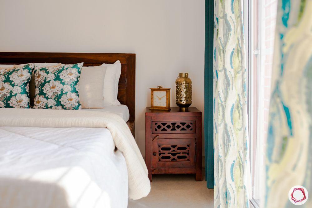 bedroom-carved wooden side table
