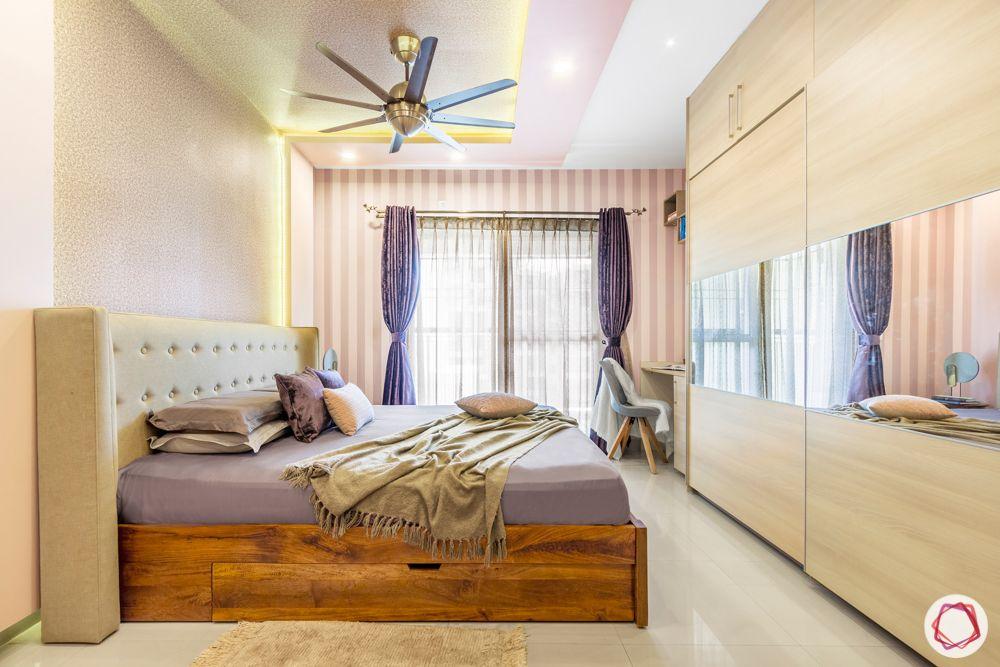 master-bedroom-wardrobe-mirror-panels