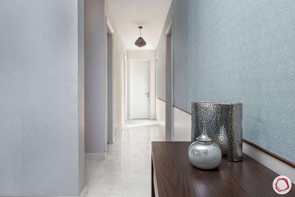 flat interior-grey wall ideas-passageway decor ideas