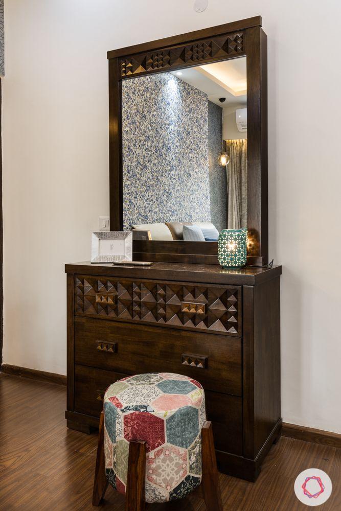 Panchsheel-Pratishtha-master-bedroom-dresser-ottoman