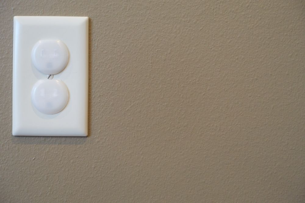 childproofing a room-outlet covers