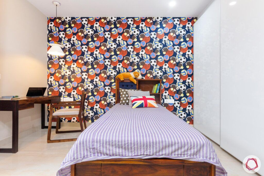 interior-in-gurgaon-kids-room-wooden-study-table