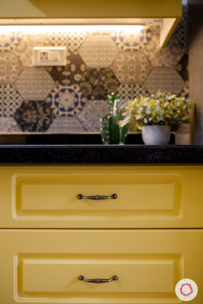 livspace-pune-kitchen-cabinet-grooves
