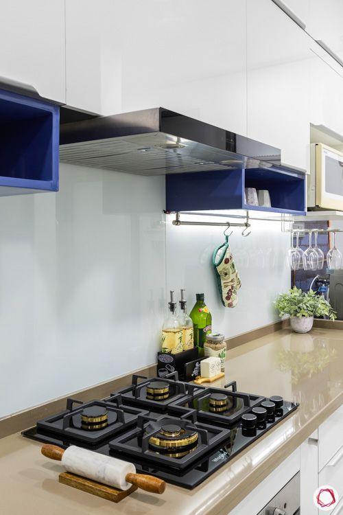white-modular-kitchen-quartz-countertop-hob