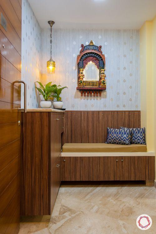 indian home decor ideas-jharokha-rajasthani-foyer design