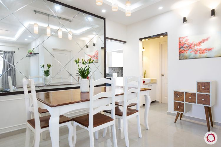 bangalore-home-design-dining-room-mirror-wall-cladding