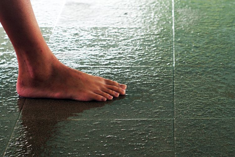 bathroom-ideas-anti-slip-tiles