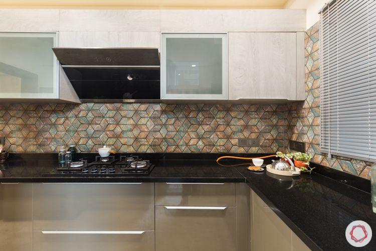 Metallic acrylic-profile shutters-granite countertop