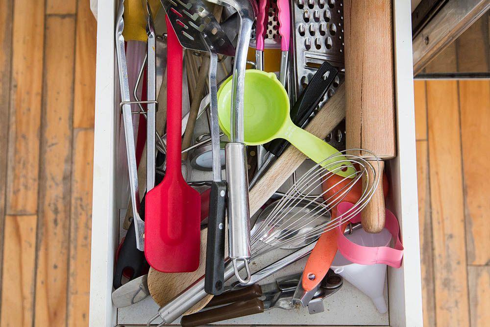 kitchen-organisation-ideas-kitchen-storage-unwanted-clutter