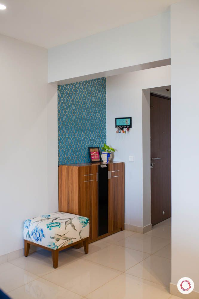 2-bhk-home-design-livspace-pune-foyer-shoe-storage