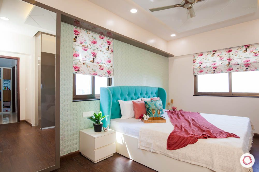 2-bhk-home-design-livspace-pune-master-room-floral-blinds