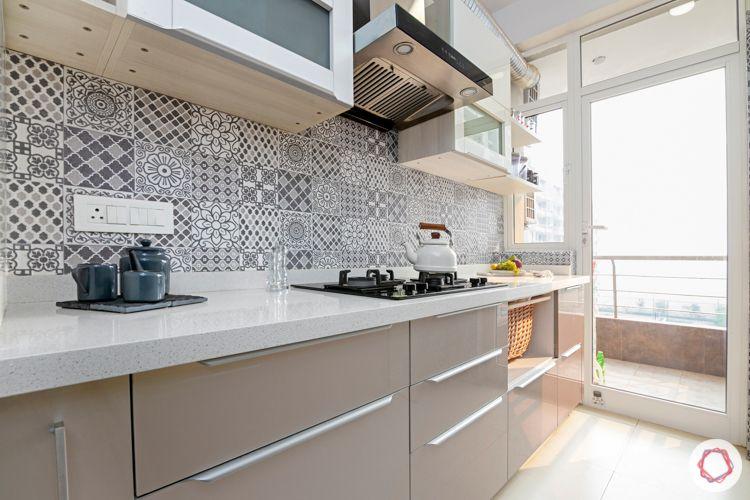 2-bhk-home-design-modular-kitchen-beige-acrylic