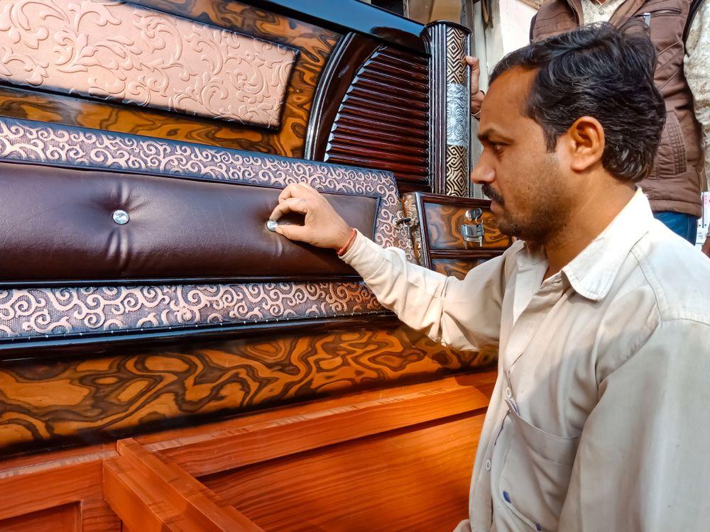 livspace-interior-design-quality-check-carpenter