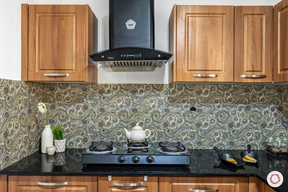 timeless kitchen designs-wooden cabinets-pattern backsplash