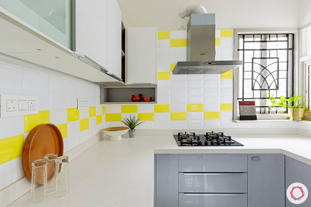 small-kitchen-purva-paradise-white-grey-cabinets