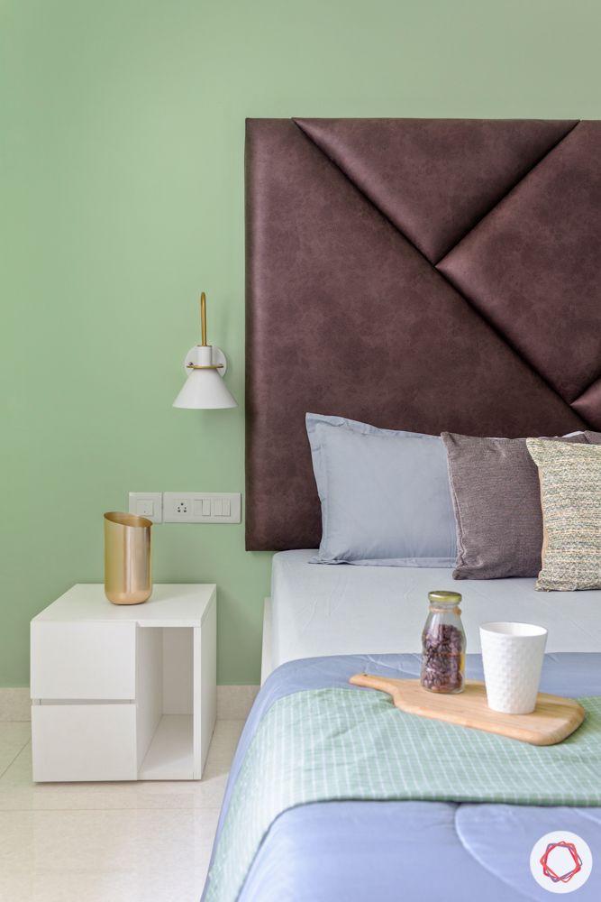 bedroom furniture-wooden bed designs-floral wallpaper