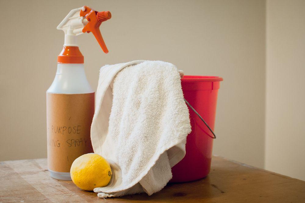 kitchen hacks-spray with lemon