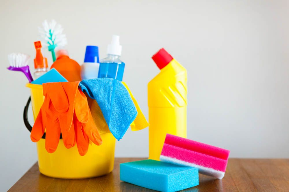 cleaning tips for lazy people-cleaning supplies-bucket